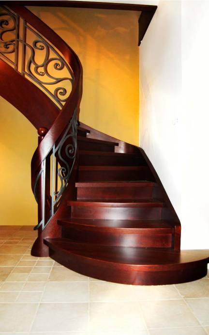 schody wewnętrzne nowoczesne z drewna