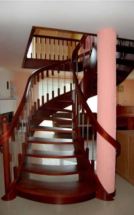 schody ekskluzywne z zawijaną poręczą