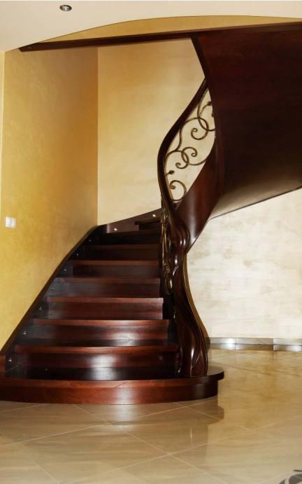 schody gięte drewniane 16