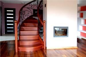 schody jednozabiegowe 3 300x199